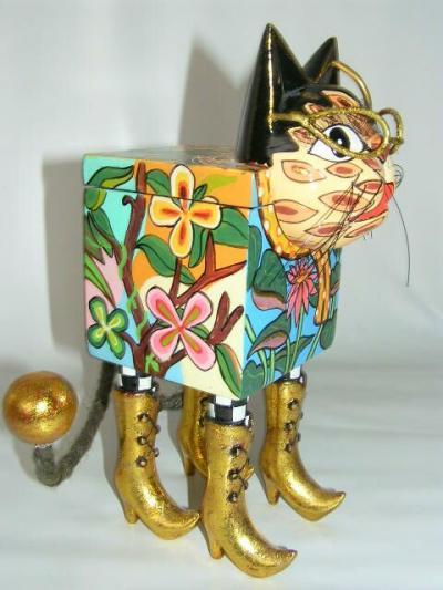 Toms Drag Art - Box Cat