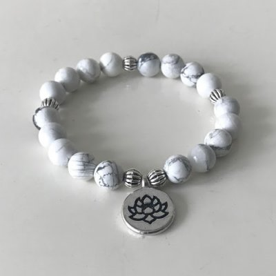 Armband  - Liara - Howlith weiss mit Lotusblume